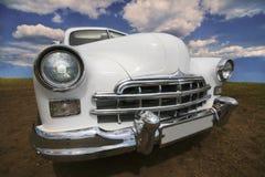 古老白色汽车 库存图片