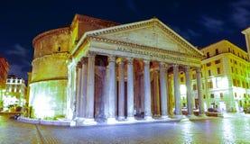 古老的天主教堂在罗马-万神殿 图库摄影