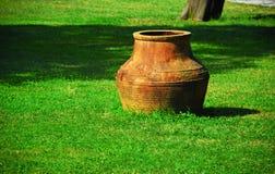 古老的油罐 免版税库存照片