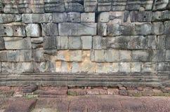 古老石墙由砖做成,作为背景或纹理 库存图片