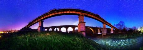 古老石桥梁架设了奥地利人 免版税图库摄影