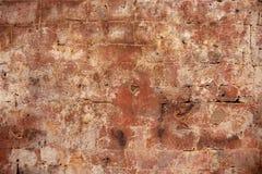 古老砖墙 橙色砖特写镜头 被风化的脏的砖墙照片背景 砖砌困厄的纹理  免版税库存图片