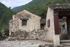 古老砖房子老村庄 免版税库存照片