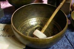 古老碗唱歌的藏语 库存图片