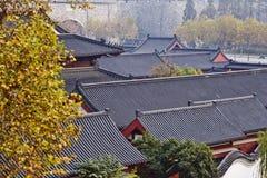 古老结构瓷屋顶 图库摄影