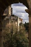 古老结构罗马 免版税库存照片