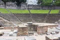 古老罗马圆形剧场废墟在的里雅斯特 免版税库存图片