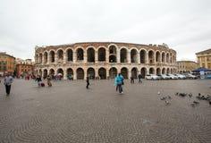 古老罗马圆形露天剧场竞技场在维罗纳, 库存照片