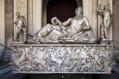 古老罗马河神的雕象在梵蒂冈博物馆 库存图片