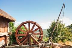 古老罗马treadwheel起重机看法  库存照片