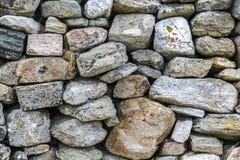 古老自然石墙样式特写镜头 免版税图库摄影