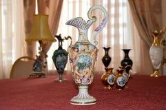 古老花瓶 免版税图库摄影