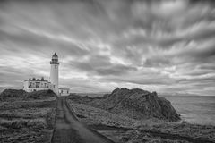 古老苏格兰灯塔黑色&白色 免版税库存图片