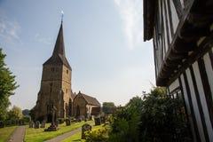 古老英国教会在乡下 库存图片
