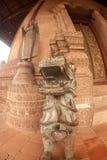 古老菩萨和狮子在教会在贺尔Phakeo寺庙,老挝。 免版税库存照片