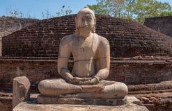 古老菩萨雕象在Vatadage,古老市Polonnaruwa斯里南卡 库存图片
