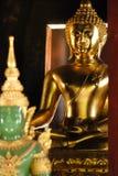 古老菩萨雕象在Wat Phra辛哈在Chiangmai泰国 库存照片