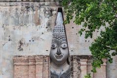 古老菩萨雕象, Sukhothai历史公园 免版税库存图片