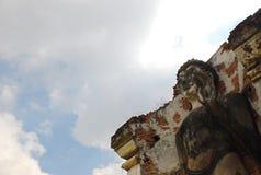 古老菩萨雕象 免版税库存照片
