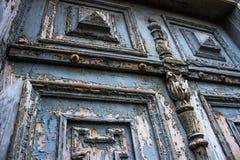 古老蓝色门从19世纪 免版税库存图片