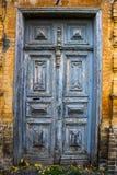 古老蓝色门从19世纪 免版税库存照片