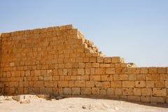 古老被中断的寺庙墙壁 库存图片