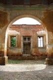 古老被成拱形的编译的门 库存照片