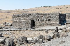 古老西伯来城市Korazim Horazin, Khirbet Karazeh的废墟,毁坏被在4世纪广告的一次地震,在 免版税库存照片
