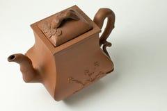 古老酿造中国黏土茶壶 免版税库存图片