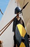 古老金属盔甲和射箭 免版税库存照片