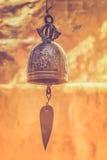 古老铜响铃 免版税库存照片