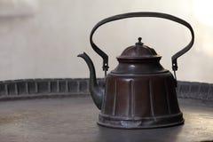 古老铜罐 免版税库存照片