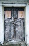 古老门和门锁 库存照片
