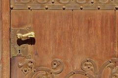 古老门把手手工制造在以色列 库存照片