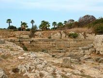 古老阿波罗教堂的废墟在公园Monte Smi的 免版税图库摄影
