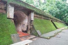 古老隧道在Wat Umong,清迈,泰国 免版税图库摄影