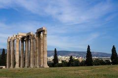 古老雅典希腊o奥林山寺庙宙斯 免版税图库摄影