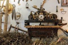 古老香水实验室在村庄Gourdon,法国 免版税库存照片