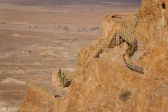古老马萨达城堡的废墟 免版税图库摄影