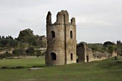古老antica appia罗马坟茔通过 库存照片