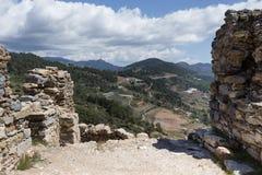 古老Antiochia广告位于山的Cragum废墟临近g 库存图片
