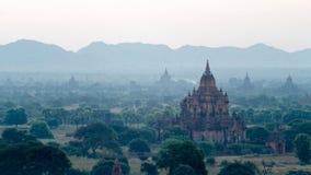 古老Bagan的Stupas和的塔  免版税库存图片