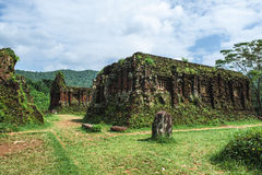 古老Champa的被破坏的寺庙 免版税库存照片