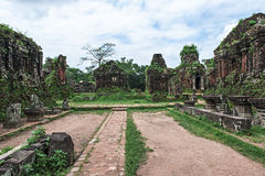 古老Champa的被破坏的寺庙 图库摄影