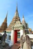 古老chedi塔pho泰国wat 免版税库存照片