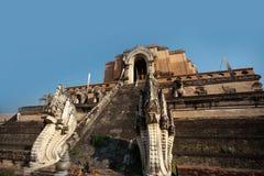 古老chedi luang塔寺庙wat 免版税图库摄影