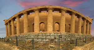 古老concordia希腊全景寺庙 库存图片