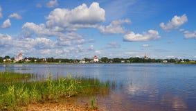 古老kargopol全景俄语城镇 库存图片