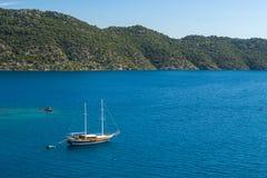 古老Kekova海岛游艇小船美丽的景色  免版税图库摄影
