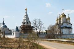 古老Luzhetsky修道院在Mozhaysk,俄罗斯 库存图片